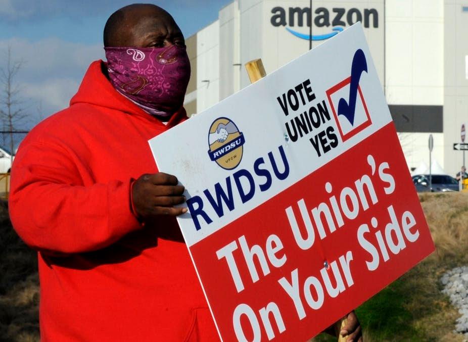 Amazon Workers Want to Unionize