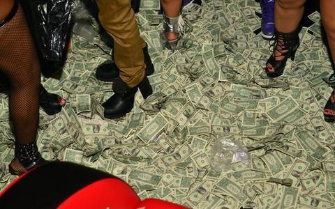 BITCOIN AND SMART MONEY